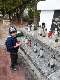 Odwiedzamy groby poległych bohaterów